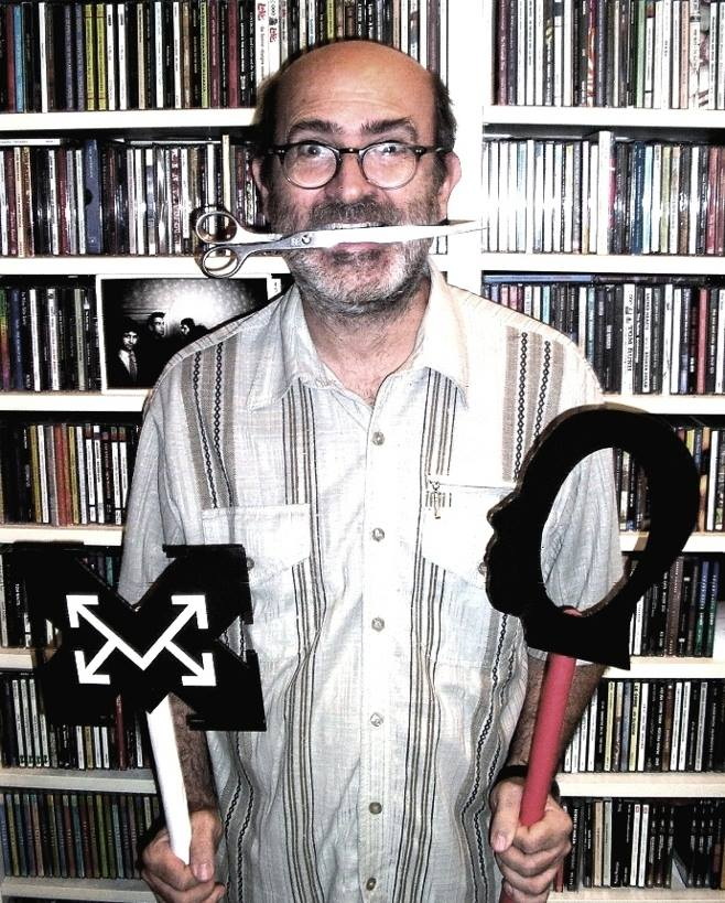 Vittore Baroni with his CDs.jpg